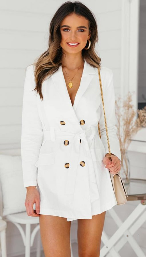 Robe blazer blanche manches longues et boutons